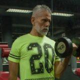 60代|筋トレで上半身を鍛える目的はTシャツの似合う肩と腕